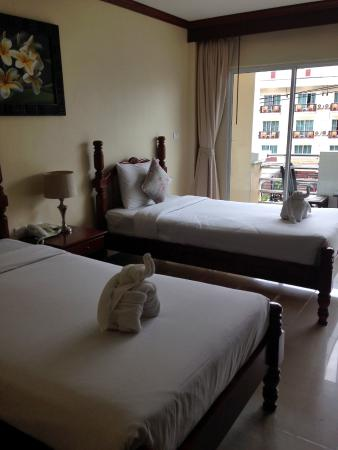 Pranang Flora House: 双床房