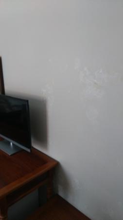 Dreams Hotel: 潮湿的墙都起皮了