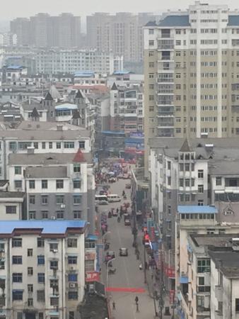 Fengxin County, China: 这个就是步行街了,从高处往下拍的,步行街没有太多可逛可买的商品