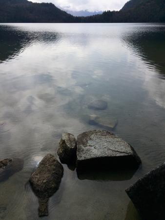 Hicks Lake : 安静而原始