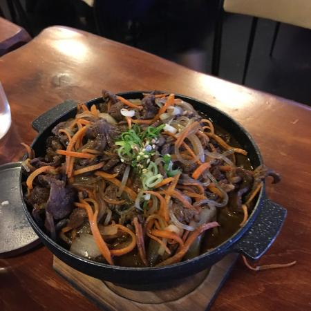 Shinaburo Korean Eating House: 在瓦纳卡镇的一家韩国料理店,味道还不错!就是分量有点小!一个人吃不饱!
