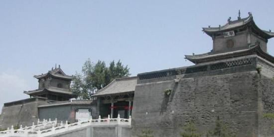 Changzhi, China: 长治上党门,富有历史气息。