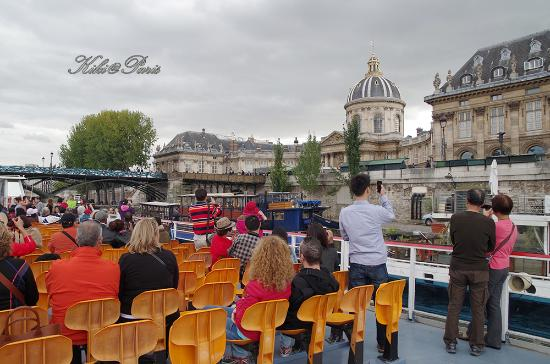 Paris 'Musts' - City Tour, River Seine Cruise and Lunch : 游船视野很好