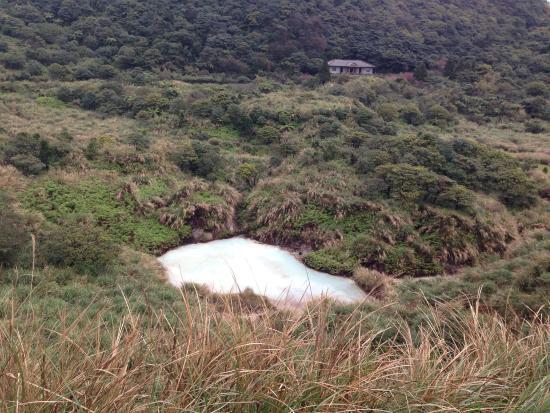 Niunai (Milky) Lake: 牛奶湖实景