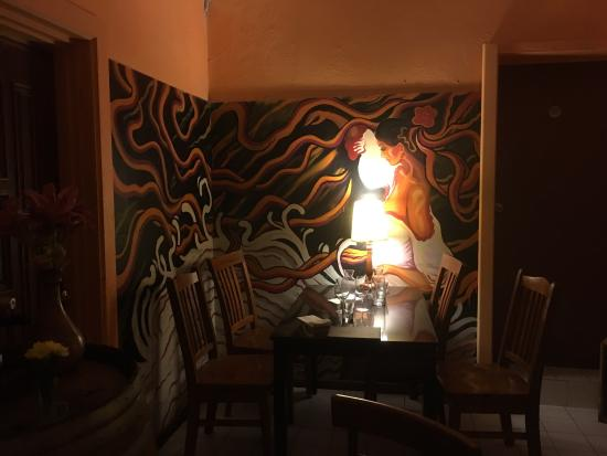 Brighton, Australia: 很有小资情调的店,东西味道也不错,第一次回来没有吃的海鲜饭,预约了星期日的桌子。感觉非常适合情侣。