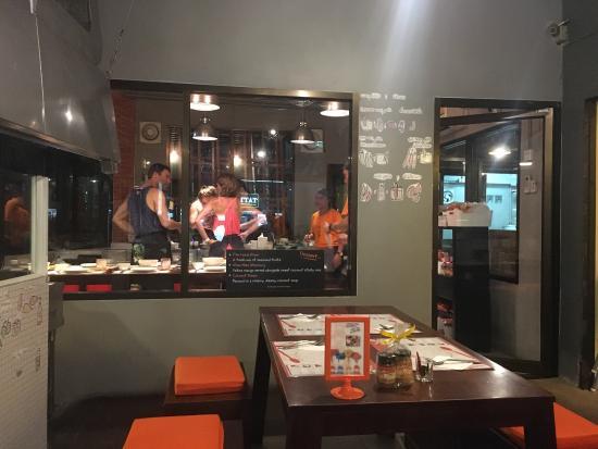Pum Thai Restaurant & Cooking School