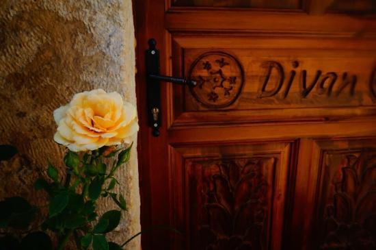 Divan Cave House: photo1.jpg