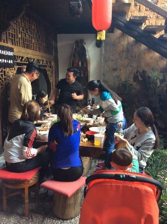 Laomofang Boutique Hostel Lijiang Sifang Street