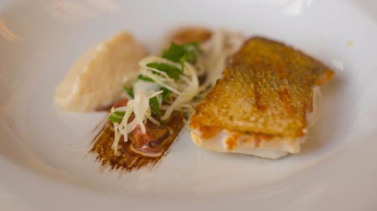 La table des delices : 主菜,seabass