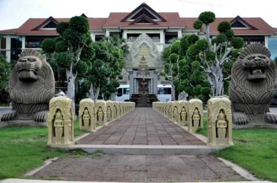 Empress Angkor Resort & Spa: 酒店正面照