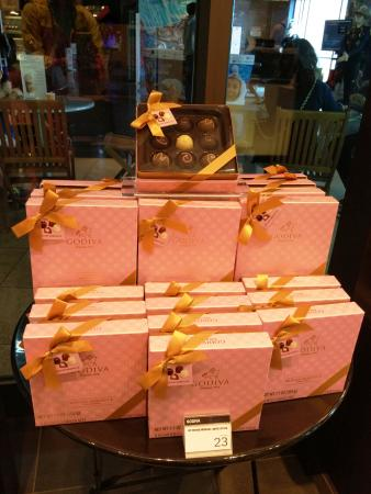 Barrigada, Mariana Islands: godiva的各种礼盒