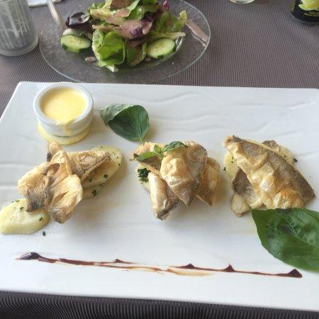 Buochs, Sveits: 这家令人称道的还是其住宿环境,餐饮则没有那么高性价比,更多享受的是一种不用出外觅食的惬意,众多菜品中以其店名命名的那道特色菜非常值得尝试