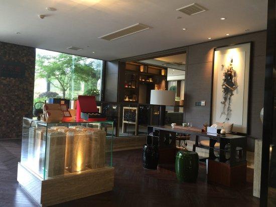 Zhoushan, Çin: 普陀山禄缘阁酒店2015年重新装修开业后的新貌令人十分满意。