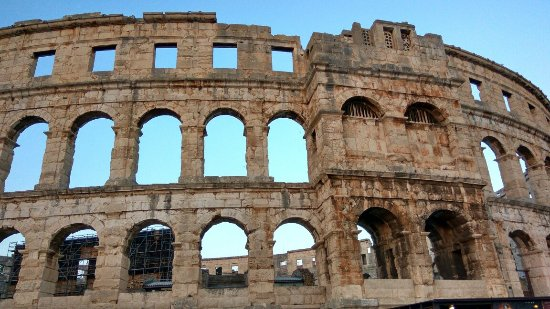 Amfiteatr w Puli: IMG_20160624_204744_HDR_large.jpg
