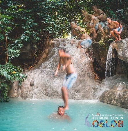 Aguinid Falls: 第四层的跳水点