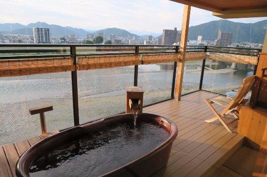 Juhachiro: 房间内的露天温泉