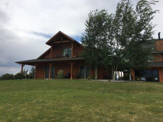 Gallatin River Lodge: 很温馨的酒店哦!都很热情的,非常照顾你的各种需求!