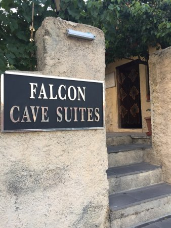 Falcon Cave Suites: photo5.jpg