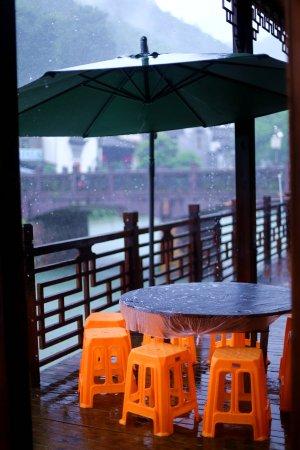 Fuliang County, China: 河边当地人家开的小餐馆