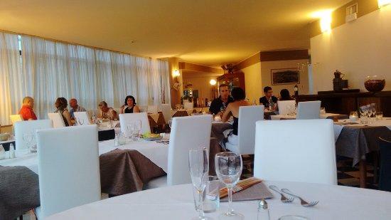 Bagnatica, Italia: 酒店的餐厅很多当地人来吃,不是住客哈