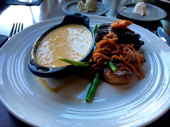Twinsburg, OH: Blue Canyon Kitchen Tavern