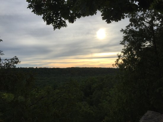 Rattlesnake Point Conservation Area: Nice view
