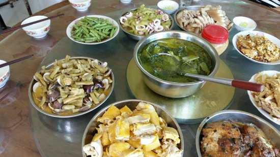 Hengyang, Chine : 穿岩诗林农家乐