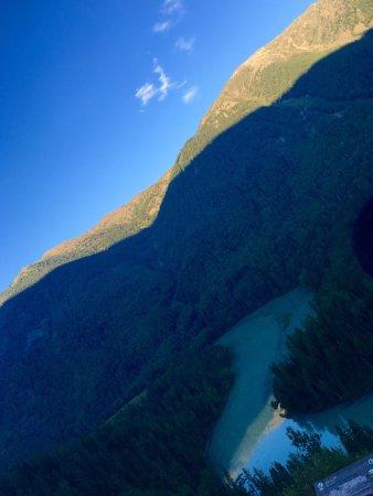 """Aletai, China: 喀纳斯国家地质公园内 """"三湾""""的其中一湾 个人觉得清晨的神仙湾更美"""