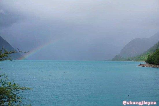 Gongbo'gyamda County, จีน: 尽管下雨但是意外见到了彩虹!