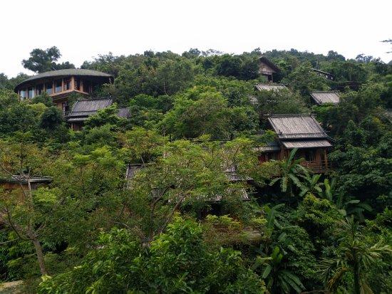 Areca Valley Tourist Resort of Hainan Ganza Ridge Primitive Culture : 这里有个高空索道
