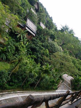 Areca Valley Tourist Resort of Hainan Ganza Ridge Primitive Culture : 槟榔谷民俗