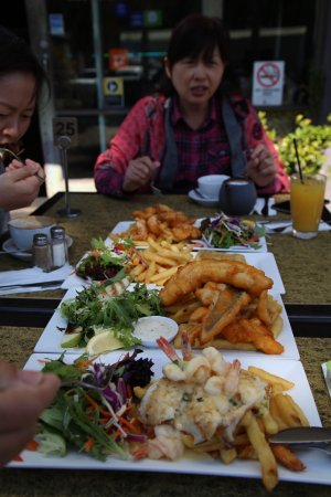 Wharfside Cafe: photo0.jpg