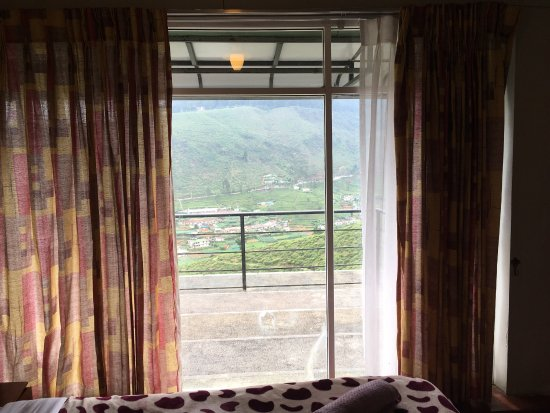 Mount View Hotel: very good room design, big space with TV! our room is 101, wonderful mountain  view. shower wate