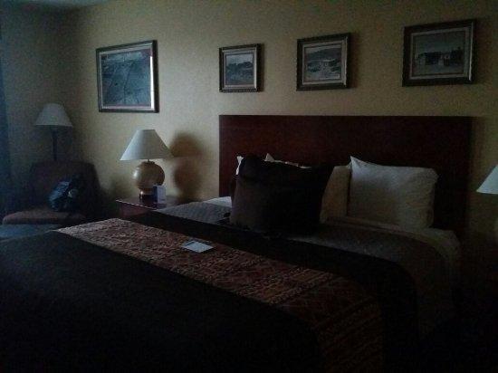 Moenkopi Legacy Inn & Suites: 从马蹄湾去grand canyon中途的住宿,感觉还不错