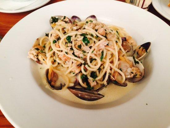 Daly City, كاليفورنيا: 非常好吃的pasta!服务很周到~