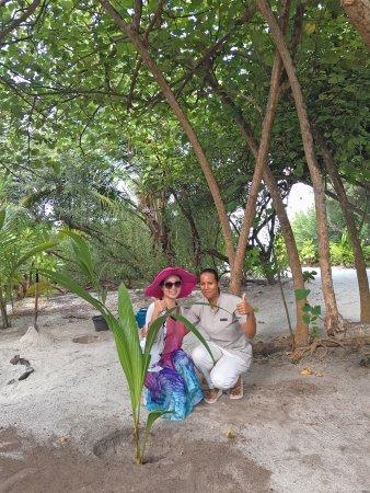 Dhonakulhi Island: 我们的专属管家OMAYMA