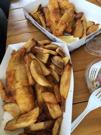 Raglan, New Zealand: delicious food . enjoy dinner