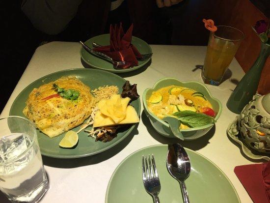 Jintana Thai Restaurant: photo0.jpg