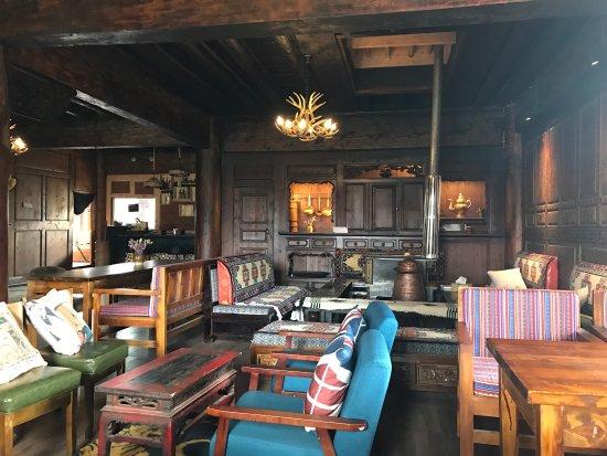 Shangri-La Beibao Shinian Hostel