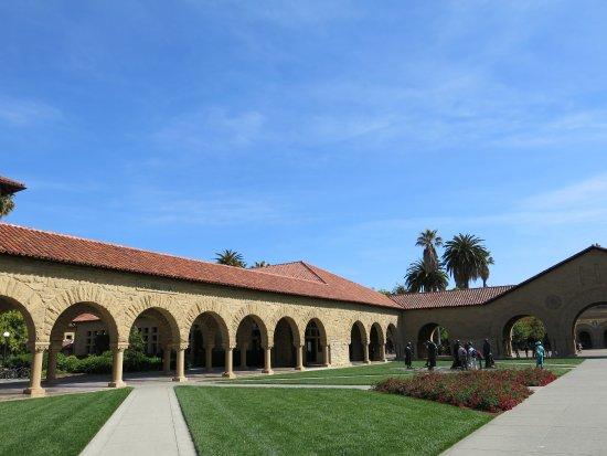 Palo Alto, CA: 西班牙风格的檐廊