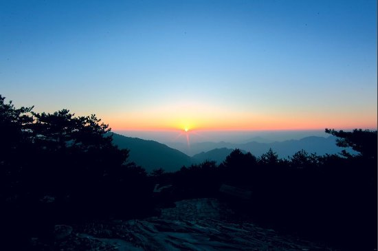 Huoshan County, Κίνα: 大别山日出