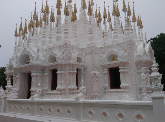 Phrae, Thailand: 很美的塔林