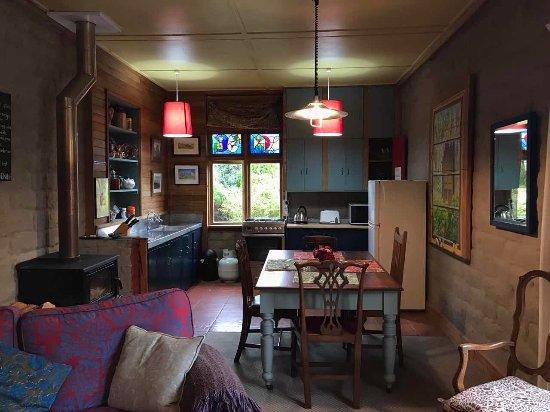 Omakau, Новая Зеландия: 整个房间非常的棒,非常荣幸能够成为第一个入住的中国人,浓郁的田园风味,复古的装饰,充满艺术气息的房间,kevin准备的晚餐也非常美味,免费的早餐也非常的丰富,希望下次绝对会再过来的。非常适合蜜