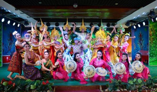 Jinghong, Cina: 印象澜沧江游轮歌舞秀