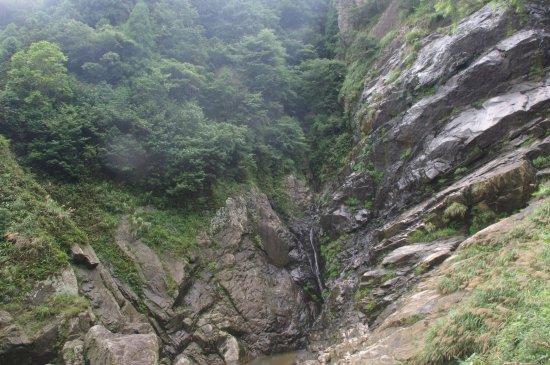 Jingning County, Chine : 大际的瀑布,可惜水小