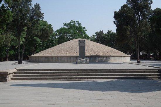 Dezhou, China: 苏禄王墓