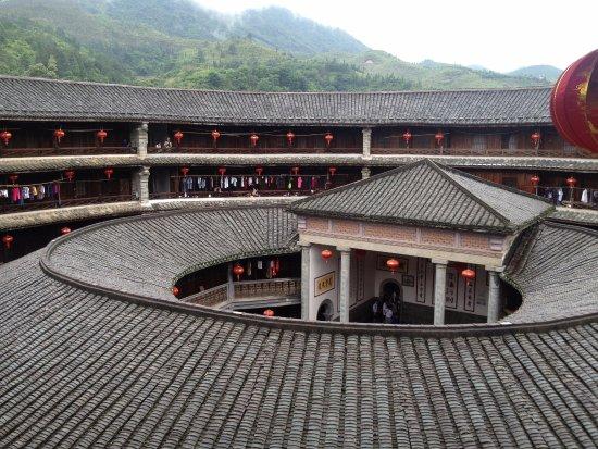 Yongding Earth Building: 这是最高一层