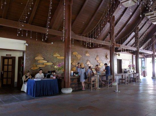 Yalong Bay Villas & Spa: IMG_20160612_101935_large.jpg