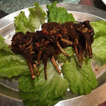 Jiangyan, China: 环境优雅,古色古香,梅家私房菜