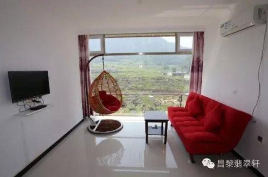 Changli County, Cina: 这是昌黎葡萄沟翡翠轩农家院的观景房,葡萄沟有山有水,住宿干净,收费合理